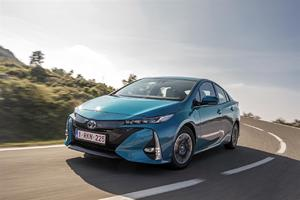 Toyota Central Europe-Czech nominuje do ankety Auto roku 2018 v ČR modely Toyota Prius Plug-in a Lexus  LC 500h