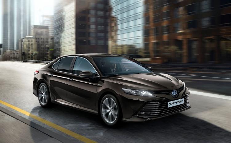 Toyota Camry se vrací do Evropy  s nejnovějším hybridním pohonem