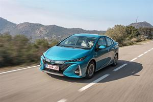 Toyota Prius Plug-in Hybrid otrzymała tytuł World Green Car of the Year 2017